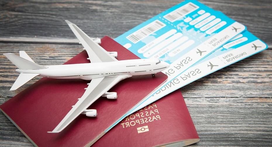 Quels sont les frais supplémentaires sur un billet d'avion ?